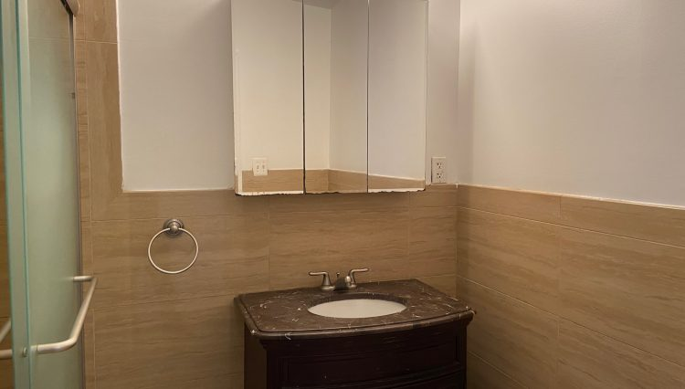 28e18bathroom